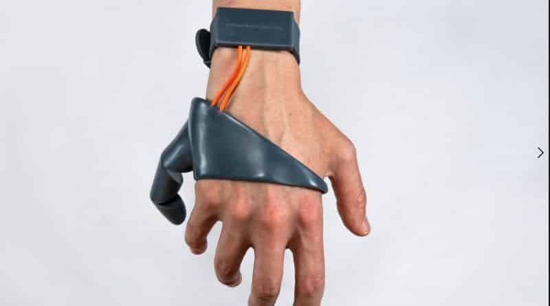 Dedo pulgar extra wearable