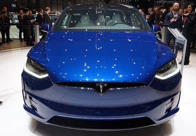 Tesla Model X: Un coche eléctrico más rápido que el Lamborghini Aventador