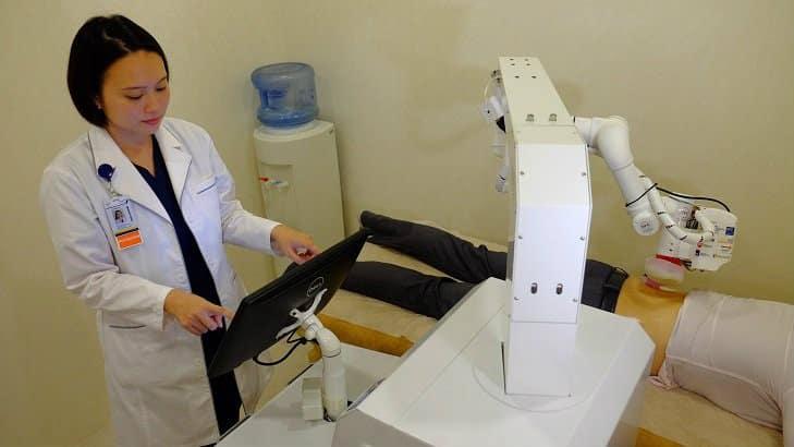 Emma, robot masajista